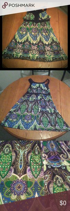 IZ Byer Colorful Patterned Dress Only worn a few times. Ties in back. Iz Byer Dresses