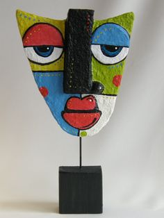 Heidi Cox: papier mache could be used in Picasso lesson Paper Mache Sculpture, Sculpture Art, Clay Sculptures, Sculpture Lessons, Paper Mache Crafts, Cardboard Art, Paperclay, Art Club, Art Plastique