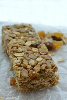 No-Bake Homemade Nut Free Granola Bars : Cinnamon Raisin : Healthy Kid Snack : #GlutenFree Recipe wonkywonderful.com
