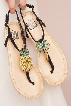 a145b9aea6f4 320 Best Shoes! images in 2019