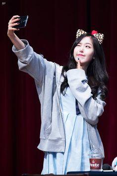 South Korean Girls, Korean Girl Groups, Sinb Gfriend, Fan Picture, Entertainment, G Friend, Queen B, Dance Moves, Pop Music