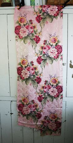 vintage Faille Barkcloth era FABRIC - Cabbage Roses & flowers on Faded Pink