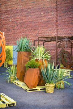 Lump Sculpture Studio Specialising In Corten Steel 400 x 300