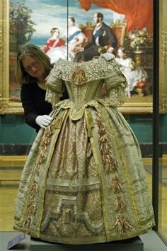Ball gown, worn by the young queen Victoria to the Stewart Ball in 1851.