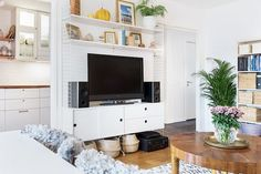 Living Roon, Home Living Room, Living Room Furniture, Living Room Inspiration, Interior Inspiration, String Regal, String Shelf, String System, Cupboard Shelves