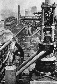 File:Bundesarchiv Bild Sowjetunion, Hüttenkombinat in Magnitogorsk. Bethlehem Steel, Abandoned Factory, Industrial Machinery, Steel Mill, Spooky Places, Industrial Architecture, Rail Car, Industrial Photography, Iron Steel