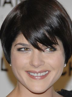 Selma Blair-favorite short haircut ever! I had my think wavy hair cut like this & all I did was fight the wave!