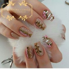 35 Vintage Floral Nails You Will Adore 35 Vintage Floral Nails You Will Adore Rose Nail Art, Rose Nails, Flower Nails, Pink Nails, My Nails, Beautiful Nail Art, Gorgeous Nails, Pretty Nails, Nail Art Designs