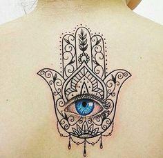 inspiração Hand Tattoos, Rihanna Hand Tattoo, Mother Tattoos, Body Art Tattoos, New Tattoos, Arabic Tattoos, Dragon Tattoos, Flower Tattoos, Hamsa Tattoo