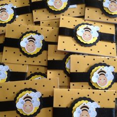 Bee House, Spelling Bee, Bee Party, Baby Decor, Arts And Crafts, Holiday Decor, Birthday, Cards, Diy