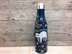 Bouteille 500ml - Paresseux Bottle, Home Decor, Sloth, Canning, Stainless Steel, The Hours, Decoration Home, Room Decor, Flask