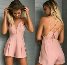 such a cute outfit! check out more like this on my board, clothes & style - maddie graziosi Jumpsuits Uk, Jumpsuits For Women, Fashion Pants, Girl Fashion, Fashion Outfits, Fashion Clothes, Chic Outfits, Spring Outfits, White Jumpsuit