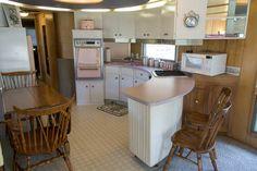 Vintage Campers For Sale, Vintage Motorhome, Vintage Camper Interior, Trailer Interior, Vintage Campers Trailers, Vintage Rv, Retro Campers, Rv Interior, Interior Ideas