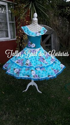 Vintage Outfits, Christmas Ornaments, Holiday Decor, Avatar, Clothes, Style, Folklorico Dresses, Briefs, Templates