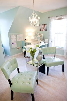 Katelyn James Photography—great office/workspace—love the color scheme (aqua green • white • brown)❣ The Savvy Photographer Blog