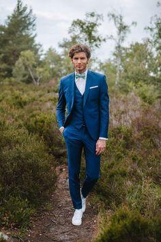 Wedding Groom, Wedding Men, Wedding Suits, Wedding Attire, Trendy Wedding, Wedding Blue, Wedding Tuxedos, Blue Groomsmen, Men's Business Outfits