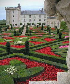 Garden of Love - Chateau de Villandry - Indre et Loire Famous Gardens, Amazing Gardens, Beautiful Gardens, Hedges, Landscape Architecture, Landscape Design, Château De Villandry, Formal Garden Design, Gardens Of The World