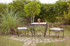 Interiores #179: Fantasía – Casa Chaucha Mesa Exterior, Outdoor Tables, Outdoor Decor, House Colors, Outdoor Living, Outdoor Furniture Sets, Home Decor, Tea Time, Porch