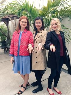 Bonnie Wright (Ginny Weasley) Katie Leung (Cho Chang) and Evanna Lynch (Luna Lovegood) Harry Potter Tumblr, Estilo Harry Potter, Mundo Harry Potter, Harry Potter Jokes, Harry Potter Pictures, Harry Potter Fandom, Harry Potter Characters, Harry Potter World, Harry Potter Merchandise