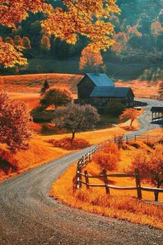 The world famous Sleepy Hollow farm near Woodstock, Vermont. Photo by Allard Schager Beautiful World, Beautiful Places, Beautiful Pictures, Simply Beautiful, Autumn Scenes, All Nature, Amazing Nature, Fall Pictures, Fall Pics
