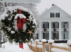New England Christmas - I so want one of these old houses that have some character!