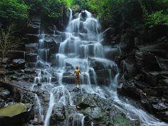 Kanto Lamppo Waterfall Bali