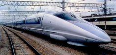 Ultra-streamlined JR500-Series train