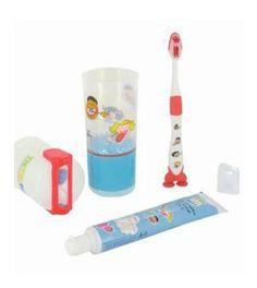 Kit dental 5,35 € Descripción del producto: TicTacDent® es el Kit Dental Educativo que enseña de un modo divertido la técnica de un correcto cepillado y a cuidar del medio ambiente gracias al ahorro de agua que implica su utilización. Está dirigido a niños a partir de 3 años. Es el complemento adecuado para la higiene dental diaria, con un diseño que lo hace muy manejable para ser utilizado en casa, de viaje o llevarlo al colegio en la mochila. Incluye además una zona para escribir su…