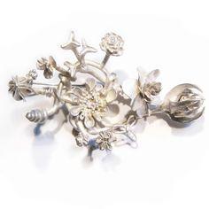 Brooch by Nora Rochel  925 silver, whitened