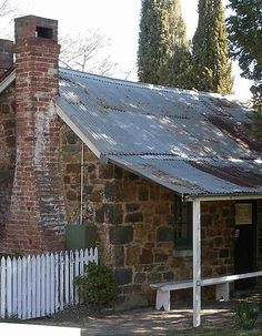 1858 Blundells Cottage in Canberra, Australia. Australia Capital, South Australia, Cool Countries, Countries Of The World, Australia Places To Visit, Beautiful Homes, Beautiful Places, Cairns Queensland, Australian Capital Territory