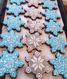 Snowflake cookies  by Mania M. - CandymaniaC