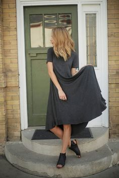 THE SIMPLE SPRING DRESS IN CHARCOAL  @breeag @africash