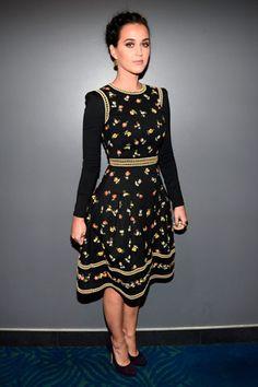 Katy Perry. Para la noche de los premios se decantó por un vestido Valentino que acompañó de unos Jimmy Choo a tono.