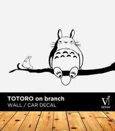 Etiqueta de la pared de Totoro, Chibi Totoro rama vinilo adhesivo - 840 x 450mm - varios colores disponibles