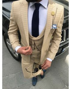 ro elegant casual tinuta barbati men suit tinuta barbati smart 2018 trend for sale small price best quality beige costume Zara Man, Mens Suits, Beige, Blazer, Costumes, Elegant, Casual, Jackets, Fashion