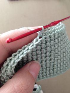 Anette L Syr Och Skapar: Dubbelvirkade Grytlappar - Diy Crafts Loom Knitting, Knitting Patterns, Crochet Patterns, Crochet Potholders, Crochet Stitches, Crochet Home, Diy Crochet, Diy Stockings, Christmas Stocking Pattern