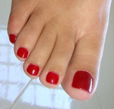 Pretty Toe Nails, Sexy Nails, Sexy Toes, Pretty Toes, Foot Pics, Foot Pictures, Sexy Zehen, Red Toenails, Feet Show