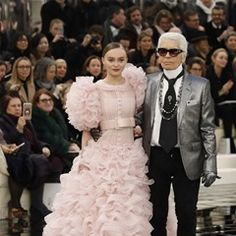 Lily-Rose Depp and Karl Lagerfeld at the Chanel fashion show in Paris (323630)