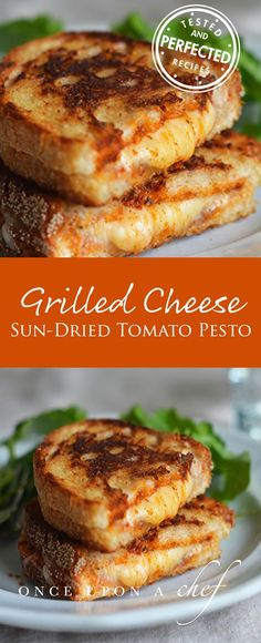 Grilled Cheese Sandwiches with Sun-Dried Tomato Pesto These grilled cheese sandwiches with sun-dried tomato pesto taste like hot, crispy pizza paninis. - Grilled Cheese Sandwiches with Sun-Dried Tomato Pesto Croissant Sandwich, Soup And Sandwich, Grilled Sandwich Ideas, Pesto Sandwich, Grill Sandwich, Pesto Pizza, Chicken Sandwich, I Love Food, Good Food