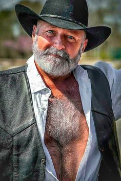 The Bear Underground Archive posts of the hottest hairy men around the globe Scruffy Men, Hairy Men, Bearded Men, Silver Foxes Men, Grey Hair Men, Grey Beards, Long Beards, Daddy Bear, Hairy Chest