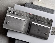 This is To do our designs justice we source quality materials that are assembled by select artisans in Italy into leather goods, footwear and clothing. Modern Wallet, Simple Wallet, Leather Wallet Pattern, Handmade Leather Wallet, Zip Wallet, Card Wallet, Card Case, Hard Graft, Minimalist Wallet