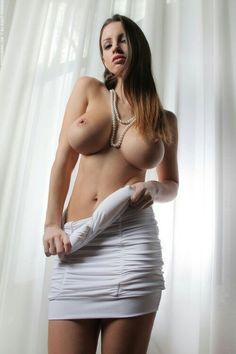 Busty big natural tits thick