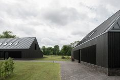 VANDERSALM-aim, Egbert de Boer · Farmyard transformation on 't Rozendael–'t Nijenhuis estate; two detached new homes and a studio/shed Dog Trot House, Steel Barns, Studio Shed, Architectural Materials, Home Additions, Farm Yard, Interior Exterior, House Front, Outdoor Rooms
