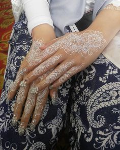 Henna Pen, Henna Tattoo Hand, Henna Tattoo Designs, Henna Mehndi, Mehendi, Wedding Henna Designs, Unique Mehndi Designs, Henna Nails, Henna Brows