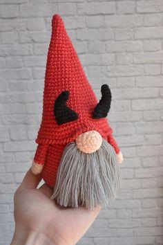 Diy Crochet Patterns, Halloween Crochet Patterns, Crochet Projects, Knitting Patterns, Crochet Santa, Cute Crochet, Crochet Dolls, Knit Crochet, Crochet Stitches For Beginners