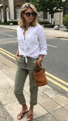 summer outfit ideas for women over grey pants, white shirt, brown handbag and sandals. summer outfits for women over 40 33 Summer Fashion Ideas for Women over 40 Chic Summer Outfits, Casual Summer Outfits For Women, Classy Outfits, Casual Outfits, Casual Pants, Casual Hair, Vacation Outfits, Outfit Summer, Dress Casual