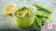 Grøn ærtehumus er en lækker dansk opskrift af Karolines Køkken, se flere dips og saucer på mad.tv2.dk