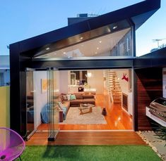 Traditional Victorian Home Transformed with a Glassy Modern Extension in Architecture & Interior design Terraced House, Architecture Design, Residential Architecture, Victorian Terrace House, Victorian Homes, Design Exterior, Terrace Design, Design Case, Building Design
