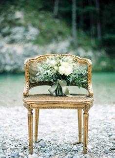 pretty bouquet by Fiona Seidl / FloerUp  fine art film wedding photography Vienna Melanie Nedelko