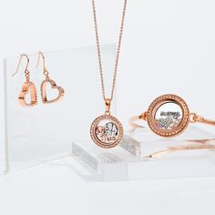 64 Best Ideas For Origami Owl Rose Gold Locket Charms Origami Owl Easy, Origami Owl Keychain, Origami Owl Watch, Origami Owl Bracelet, Origami Frog, Origami Owl Lockets, Useful Origami, Origami Owl Jewelry, Heart Origami